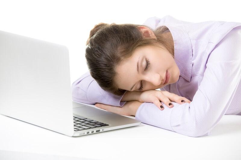 dormindo durante o trabalho (1) (1)