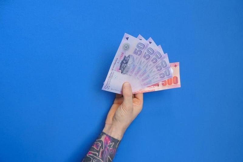 utilizar o cartao de debito para levar dinheiro para uma viagem no